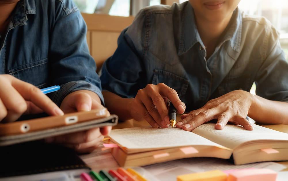 Los libros de texto, la mejor ayuda para educar a los más pequeños