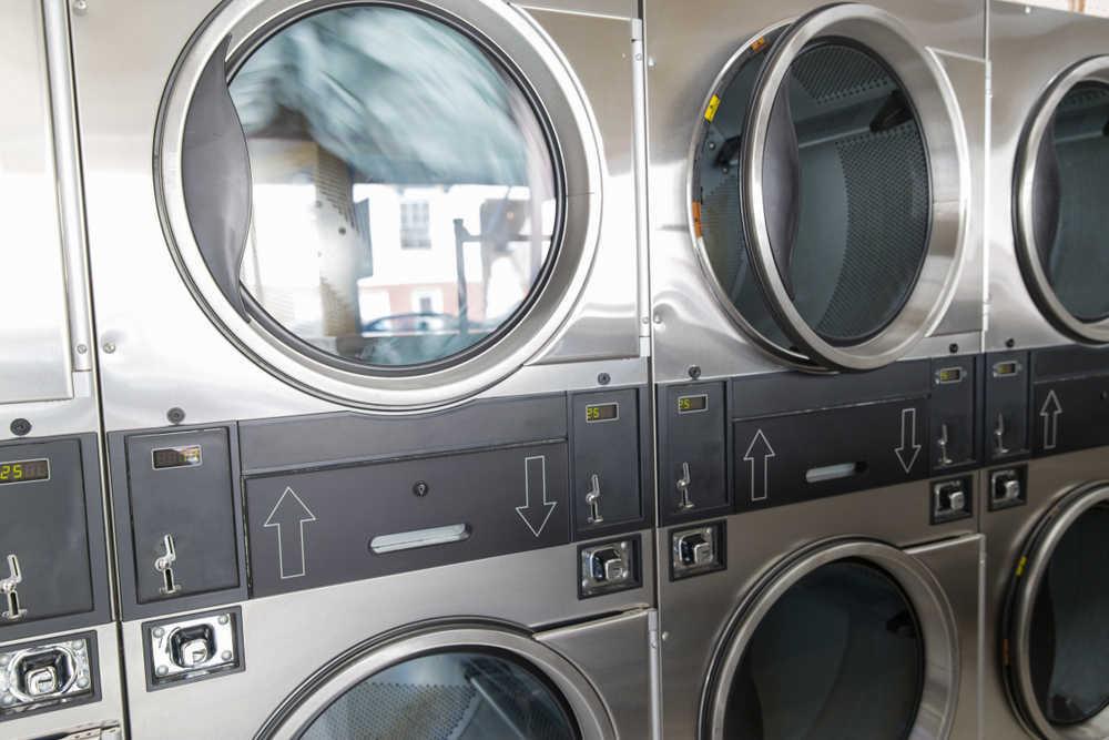 Factores claves para abrir una lavandería de autoservicio