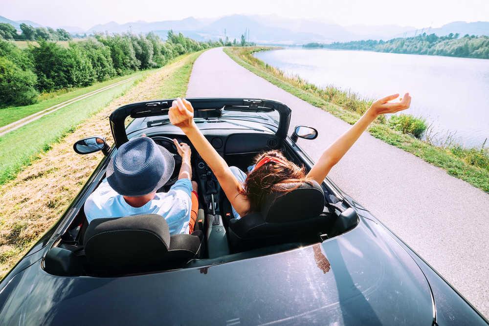 ¿Qué hay que tener en cuenta antes de alquilar un coche?